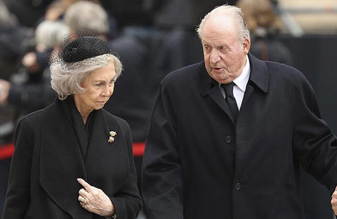 İspanya eski Kralı Carlos'a, Arabistan'la tren sözleşmesinden soruşturma