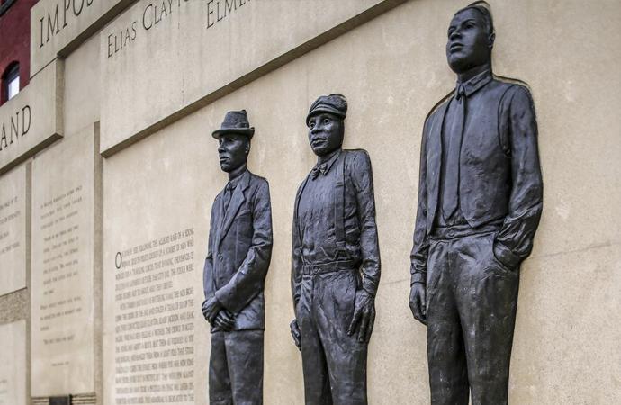 ABD, haksızca mahkum ettiği siyahi vatandaşı için 100 yıl sonra resmi özür diledi