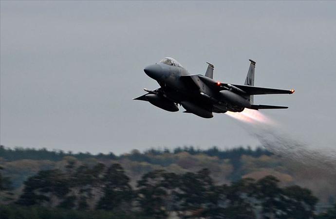 İngiltere'de Amerikan savaş uçağı düştü