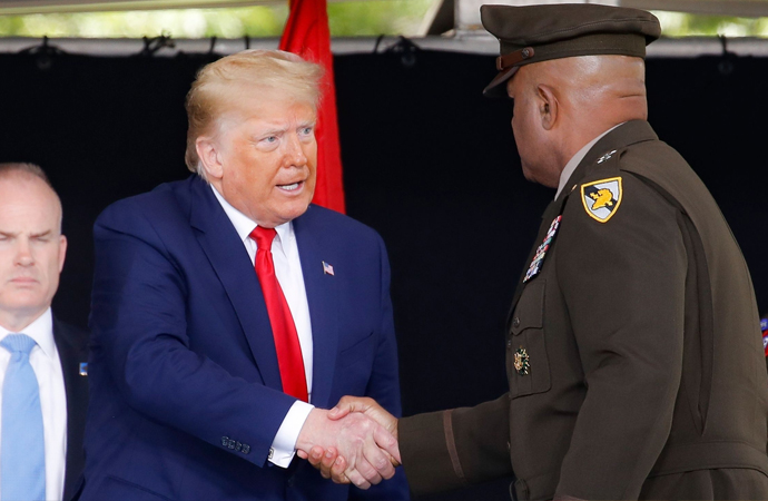 ABD, Dünya polisliği rolünü terk edebilir mi?