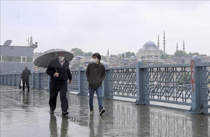 Ankara, İstanbul ve Bursa'da sokakta maske artık zorunlu