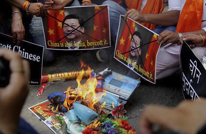 Hindistan'da, Çin mallarına boykot çağrısı yapıldı