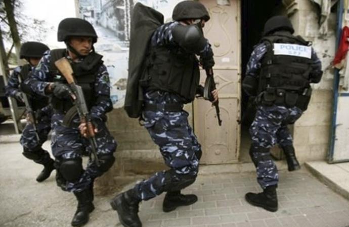Filistin Yönetiminin siyasi tutuklamaları sürüyor