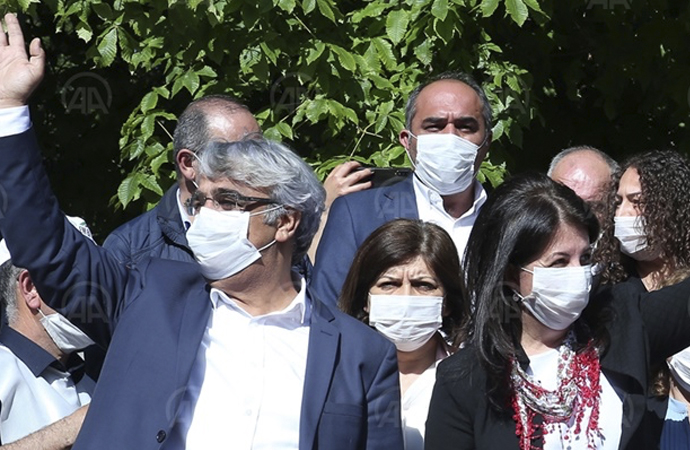 HDP, 'Darbeye Karşı Demokrasi Yürüyüşü'nü tamamladı