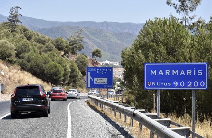 Marmaris'te tatilciler hafta sonu kısıtlamasından muaf