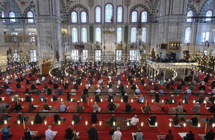 Cuma hutbesinde Kur'an kurslarının faydaları anlatıldı