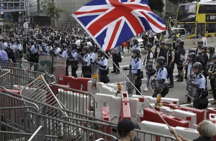 'Hong Kong'daki huzursuzluğun tohumlarını İngiltere attı'