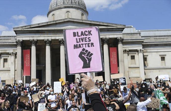George Floyd gösterileri Londra'da da başladı