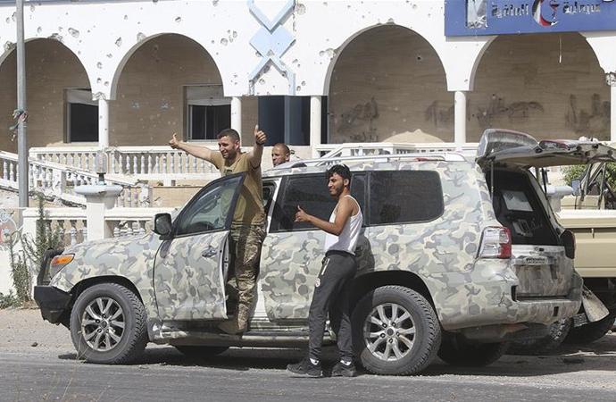 Libya ordusu ilerlemeye devam ediyor