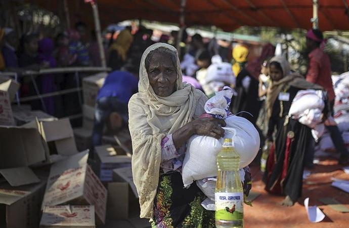 Myanmar savaş uçakları köyleri hedef alıyor