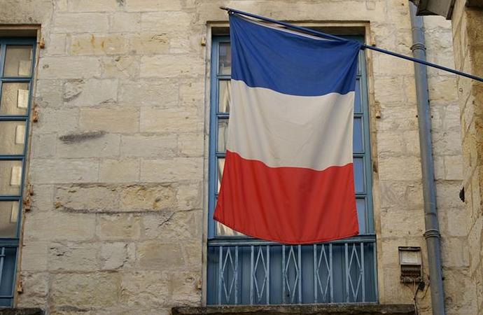 Fransa'da gündem yine başörtüsü yasağı