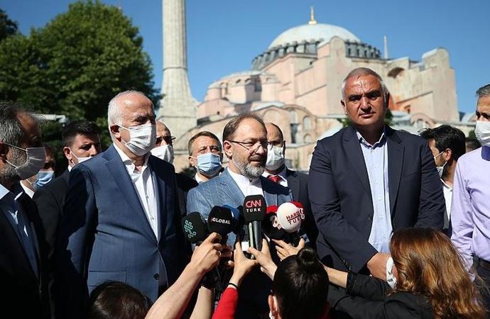 Kültür Bakanı ile Diyanet İşleri Başkanı Ayasofya'da