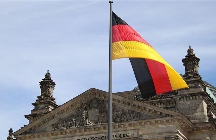 Almanya FETÖ için güvenli liman olmayı sürdürüyor