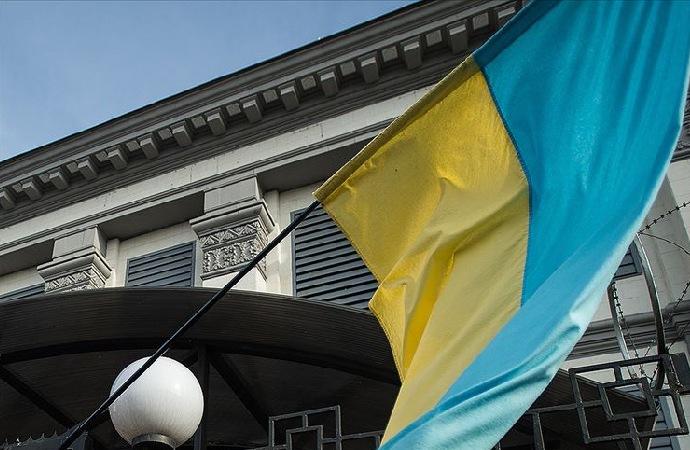 Ermeniler, Ukrayna'nın Erivan Büyükelçiliği'ne saldırdı