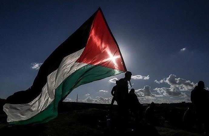 Filistin'i haritalardan silen Google ve Apple'a tepki