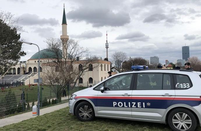 Avusturya, Müslümanlara ait kurumları fişlemeye hazırlanıyor