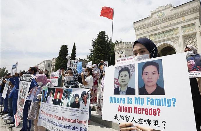 Beyazıt meydanında Uygurlardan Çin'e protesto