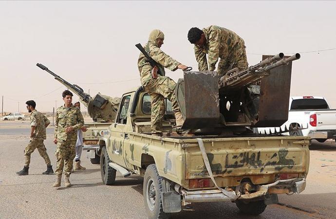 Libya'da kim kimin yanında?