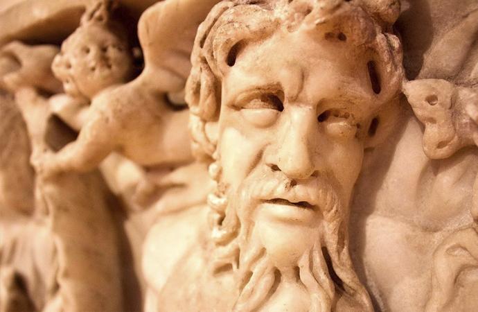 Kendisine himmeti olmayan mitolojik kurtarıcı bana mı himmet edecek?
