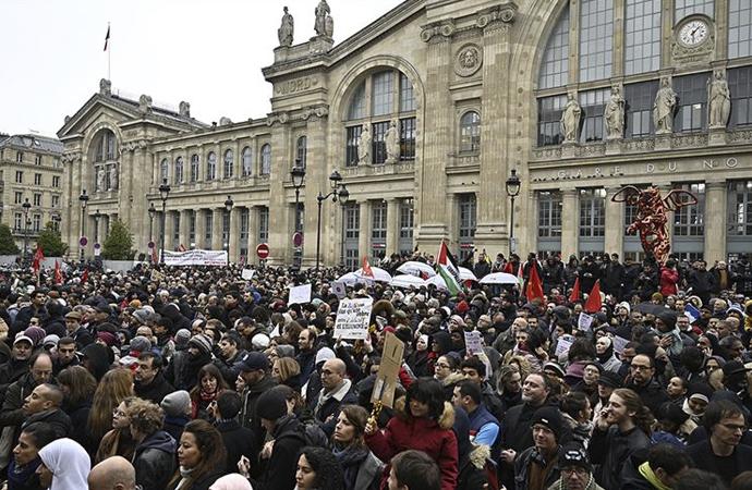 Fransız siyaseti İslam ve Müslüman karşıtlığına evriliyor
