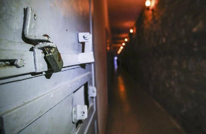 İşgalci zindanlarında Filistinli bir esir 19. yılına, bir diğeri 16. yılına girdi