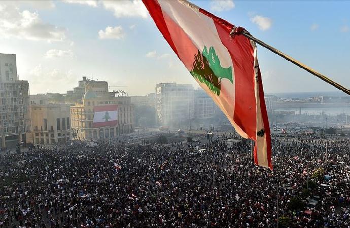 Lübnan'da hükümetin istifası yeterli değil!