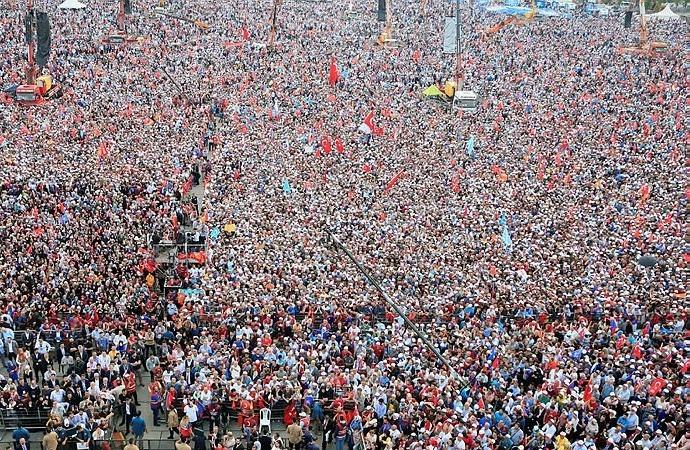 Türkiye'de kitle partisi dönemi bitiyor