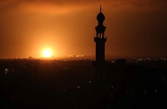 İşgalci İsrail, Gazze'ye yönelik hava saldırılarını sürdürüyor