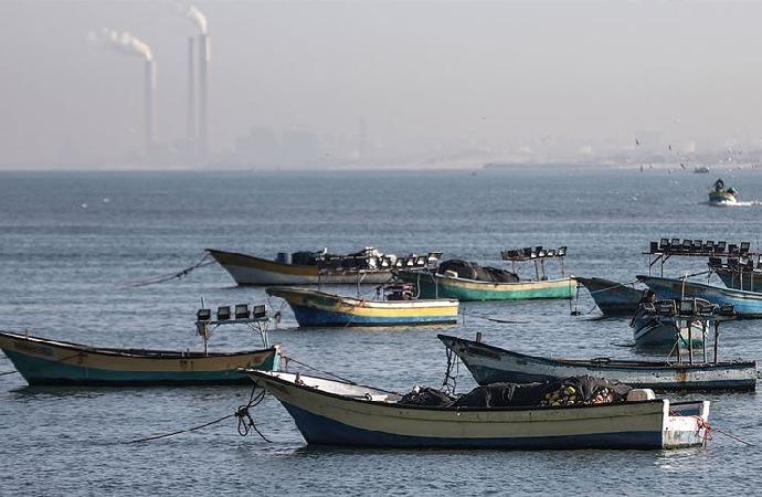 İsrail Gazzeli balıkçıların avlanmasını yasakladı