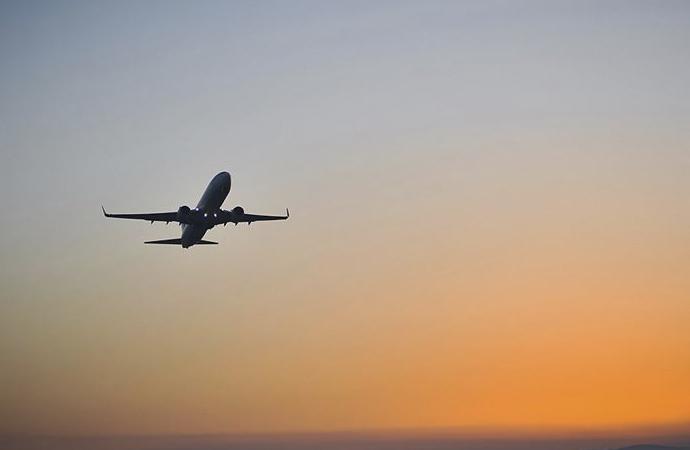 İsrail ile BAE arasında uçaklar Suudi Arabistan hava sahasını kullanacak