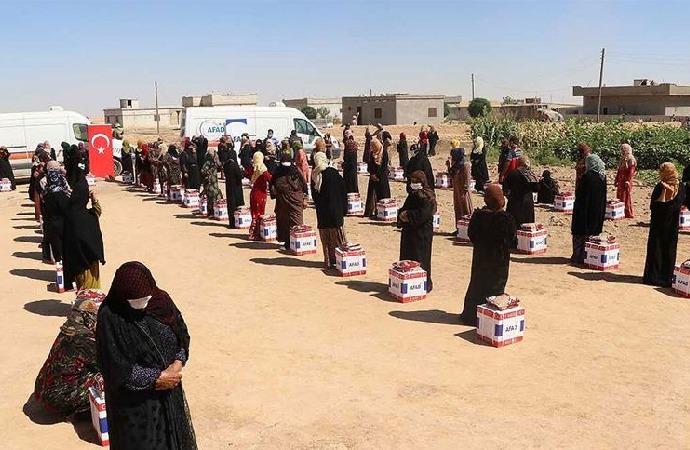 Barış Pınarı Harekatı bölgesine yardım gönderildi