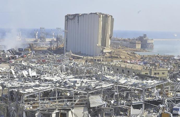 Beyrut Valisi: Zararın 10 ila 15 milyar doları aşıyor