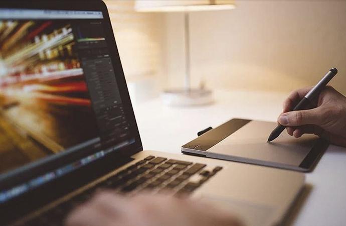 Dijital alana meraklı öğrencilere uzmanından öneriler