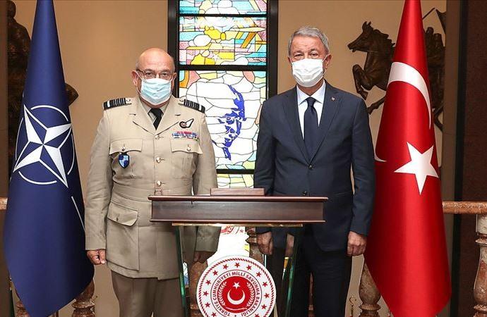 Bakan Hulusi Akar, NATO Askeri Komite Başkanı ile görüştü
