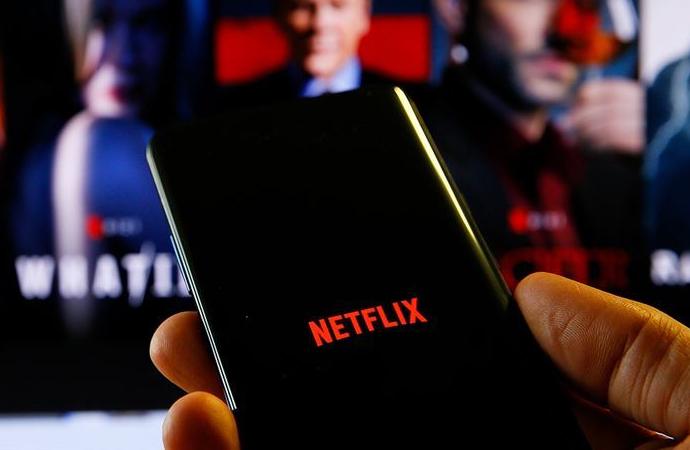 """Twitter'da """"cancelnetflix"""" (Netflix'ini iptal et) etiketi"""