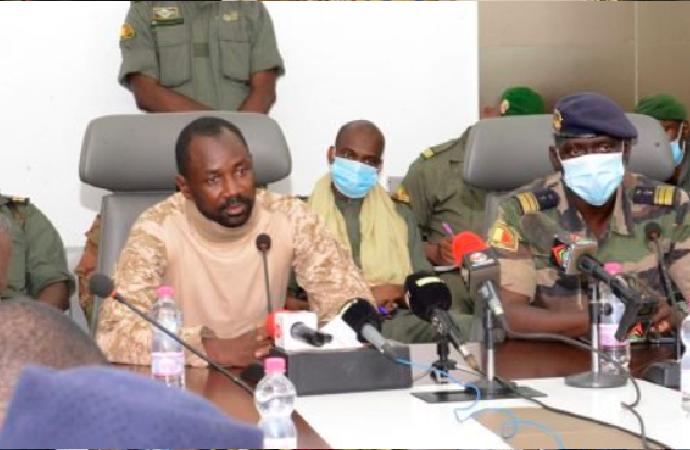 Mali'de darbeciler 'geçiş süreci'ni açıkladı