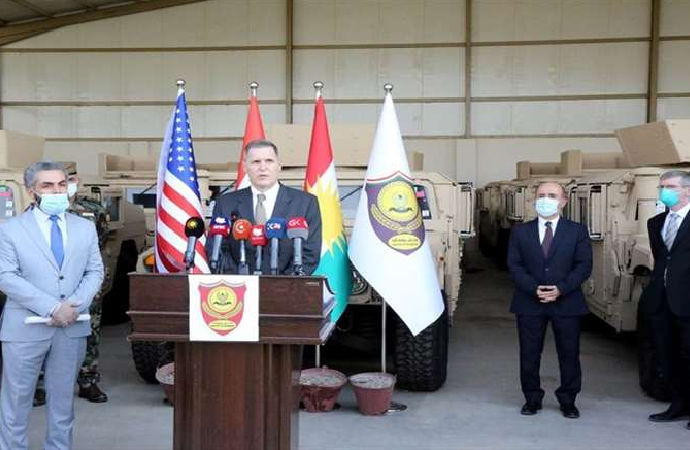 Peşmerge'ye askeri yardım törenle teslim edildi