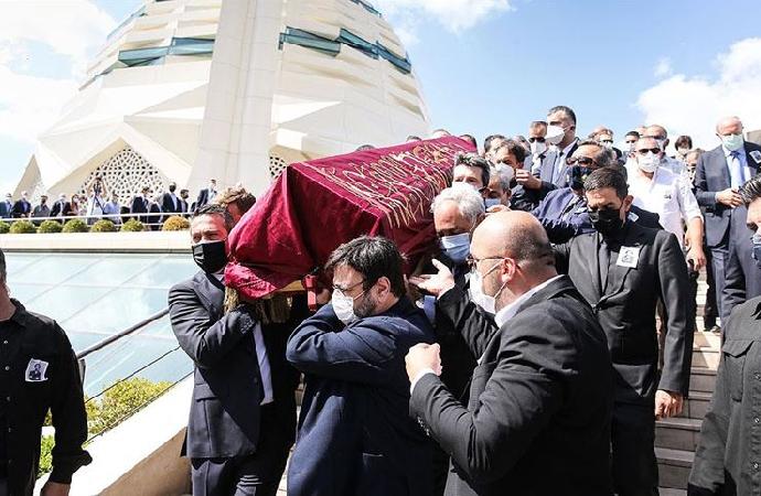 Kıraç'ın cenazesinde Osmanlı sancağı
