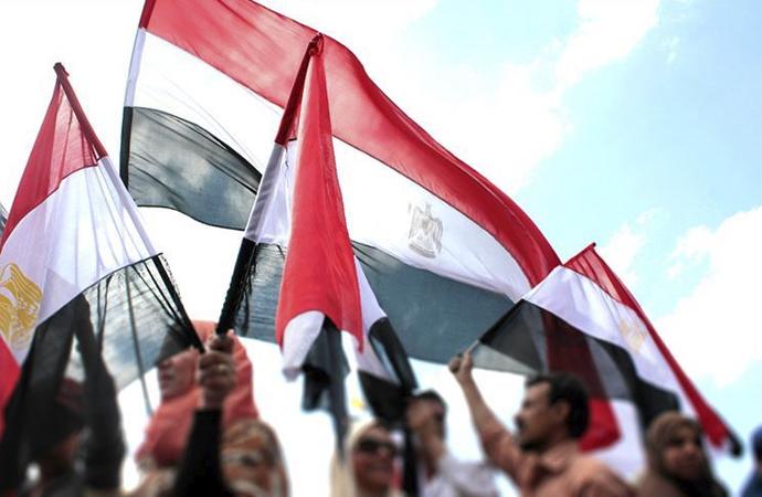Mahkeme, Mursi'nin oğlu dahil 6 avukatı barodan ihraç etti
