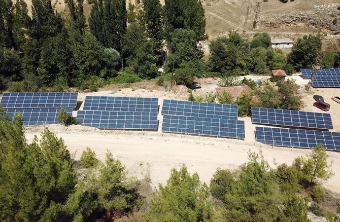 Uşak'ta köylülerin kurduğu güneş paneli, su faturalarını yarı yarıya azalttı