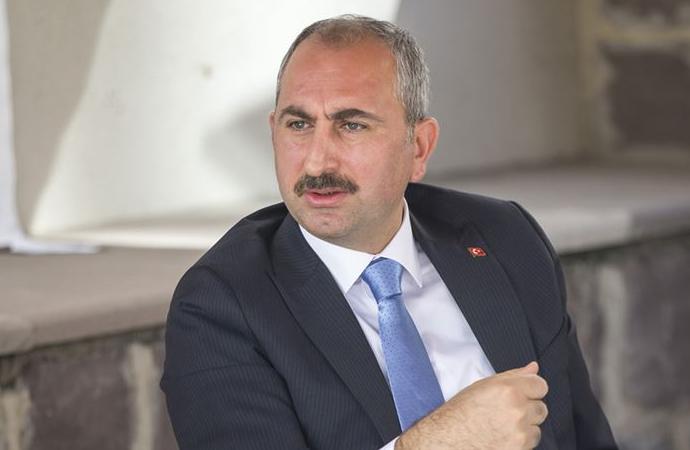 """Adalet Bakanı Gül: """"Ben yargıyım, ben hesap vermem anlayışı asla kabul edilemez"""