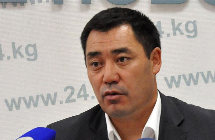 Kırgızistan'da Caparov'a tahsis edilen korumalar ve araç geri alındı