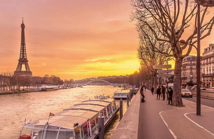 Yüzlerce Cezayirlinin kanı o gün Seine nehrine aktı!