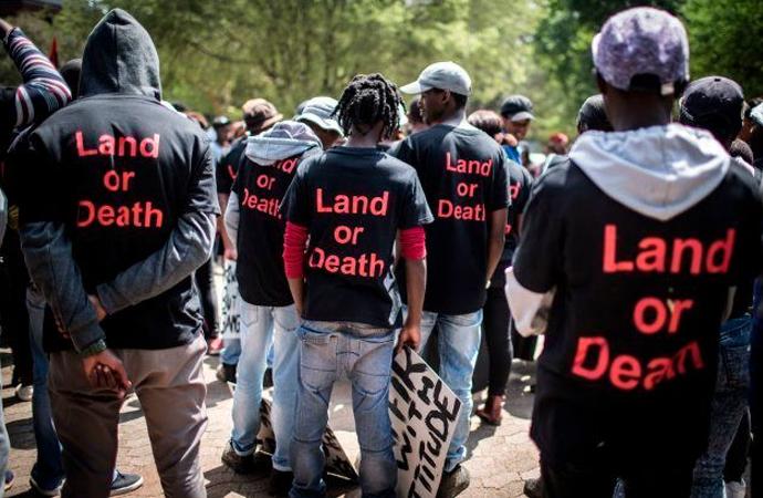 Güney Afrika'da tarım arazilerinin yüzde 70'i beyazlara ait