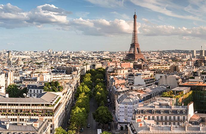 Başörtülü 2 kadına yönelik Paris'te düzenlenen saldırı