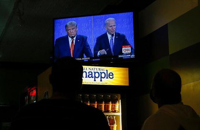 Trump ve Biden'dan canlı tartışmada ağır sözler
