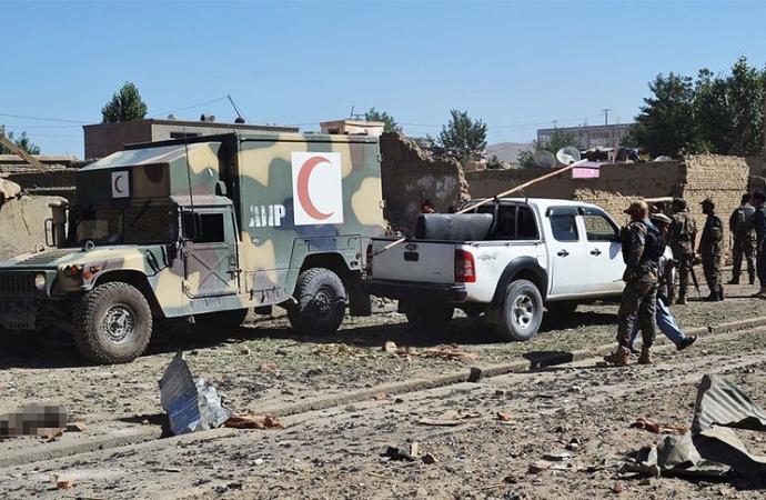 Taliban'dan 24 saatte 24 vilayette hükümet güçlerine saldırı