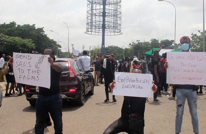 Protestoların sürdüğü Nijerya'nın Rivers eyaletinde ordu sokağa indi