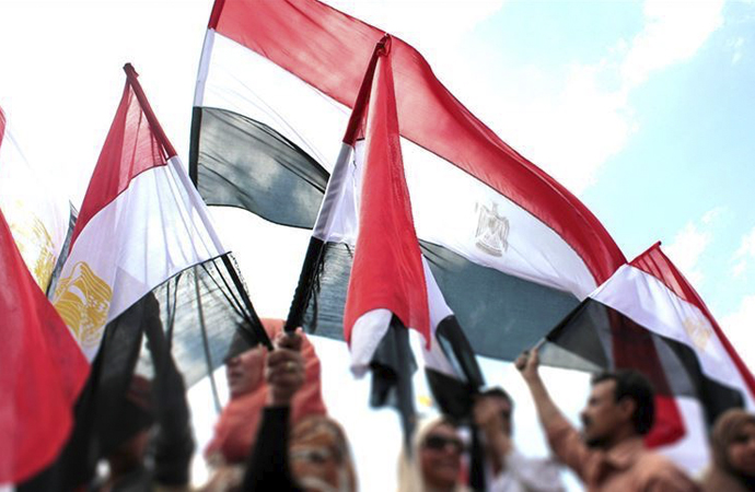 Mısır'da 'zafer cuması' gösterileri devam etti