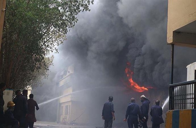 Pakistan'da medresede patlama: 7 öğrenci öldü